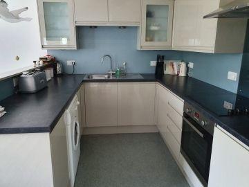 North Devon Holiday Cottage A well equipped modern kitchen